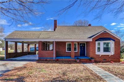 Rockingham County Single Family Home For Sale: 1015 Walnut Street