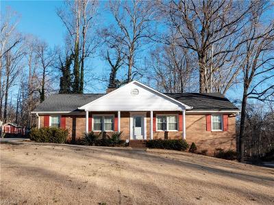 Winston Salem Single Family Home For Sale: 5901 Puritan Lane