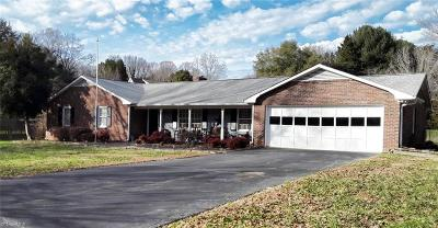 Pfafftown Single Family Home For Sale: 3425 Mill Run Lane