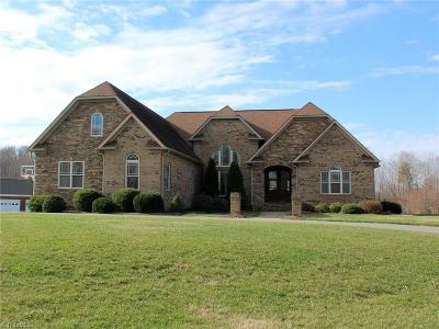 Alamance County Single Family Home For Sale: 2924 Mattie Florence Drive