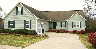 Archdale Single Family Home For Sale: 407 Sterling Ridge Drive