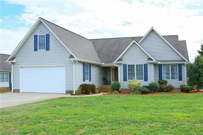 Alamance County Single Family Home For Sale: 1826 Robbie Court