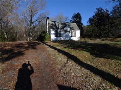 Mocksville Single Family Home For Sale: 1647 E Us Highway 64