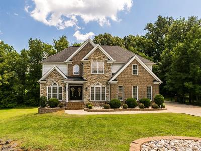 Alamance County Single Family Home For Sale: 1662 Olde Beechwood Court