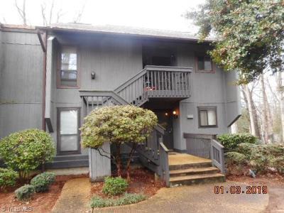 Winston Salem Condo/Townhouse For Sale: 140 Cedar Cove Lane #140