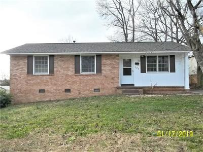 Greensboro Single Family Home For Sale: 720 Abington Drive