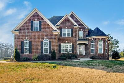 Single Family Home For Sale: 4896 Forest Oaks Drive