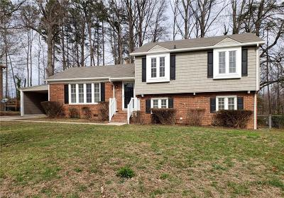High Point Single Family Home For Sale: 1749 Stoneybrook Drive