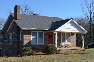 Burlington Single Family Home For Sale: 422 Chapel Hill Road