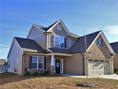 Clemmons Single Family Home For Sale: 4503 River Gate Drive