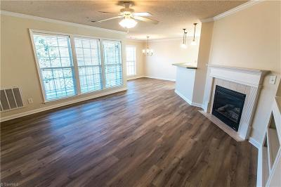 Lewisville Condo/Townhouse For Sale: 130 Shallowford Reserve Drive #201