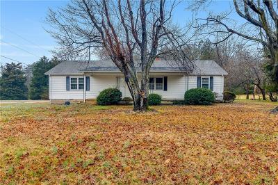 Greensboro Single Family Home For Sale: 4361 Four Farms Road