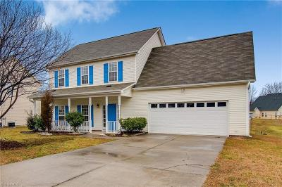 High Point Single Family Home For Sale: 2313 Glen Cove Way