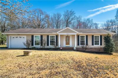Greensboro Single Family Home For Sale: 5809 Tysinger Drive