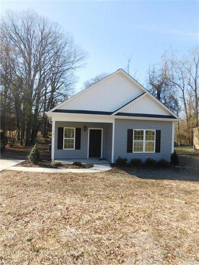 Guilford County Single Family Home For Sale: 902 Putnam Street