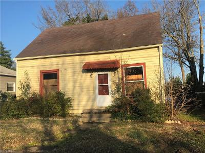 Guilford County Single Family Home For Sale: 802 Carrick Street