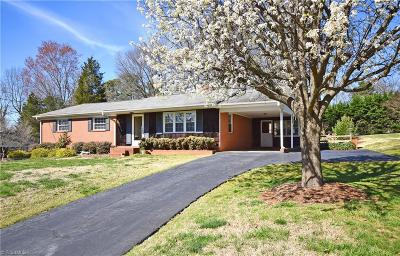 Winston Salem Single Family Home For Sale: 1809 Fannwood Circle
