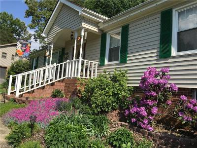 Clemmons Single Family Home For Sale: 7079 Bridgewood Road