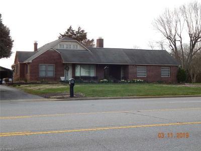 North Wilkesboro NC Single Family Home For Sale: $799,900