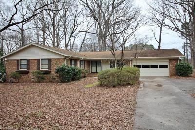 Jamestown Single Family Home For Sale: 207 Amberwood Drive