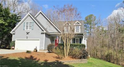 Greensboro Single Family Home For Sale: 4401 Sabre Court