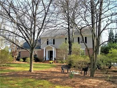 Guilford County Single Family Home For Sale: 1514 Burlwood Drive