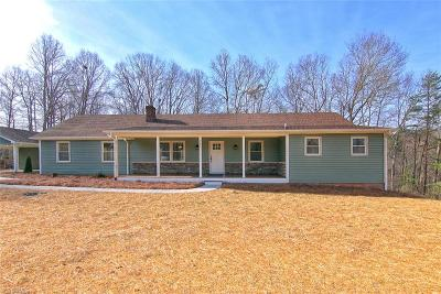 Pfafftown Single Family Home For Sale: 7390 Coon Creek Road