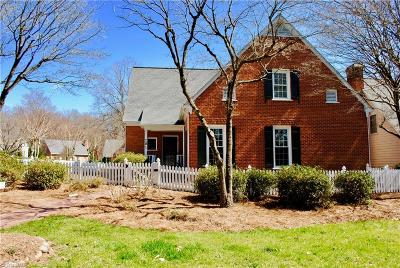 Winston Salem Single Family Home For Sale: 201 Village Green Square