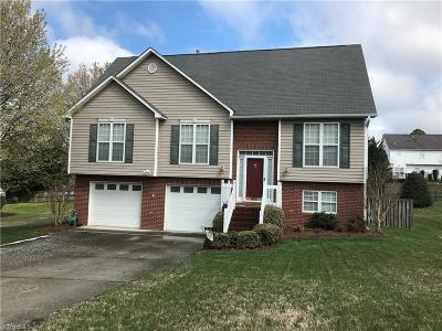 Guilford County Single Family Home For Sale: 3905 Melco Court