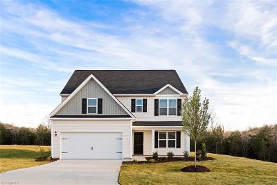 Burlington Single Family Home For Sale: 209 Steamboat Lane