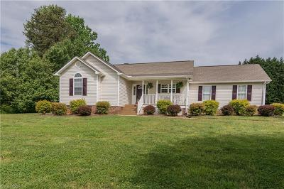 Rockingham County Single Family Home For Sale: 147 Deer Stand Drive