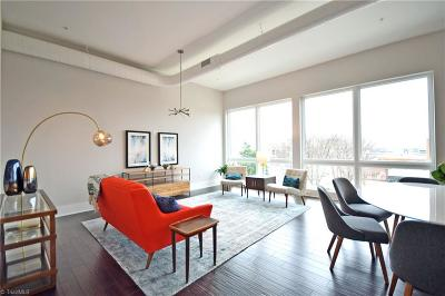 Condo/Townhouse For Sale: 400 W 4th Street #304