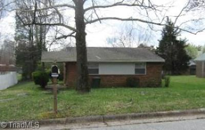 Greensboro Single Family Home For Sale: 1304 Cartwright Drive