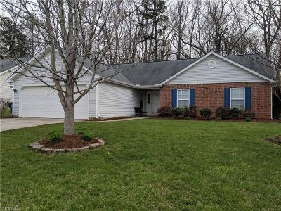 Whitsett Single Family Home For Sale: 705 Walnut Crossing Drive