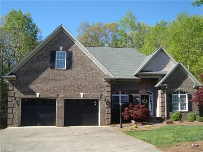 Winston Salem Single Family Home For Sale: 4455 Greystone Place Court