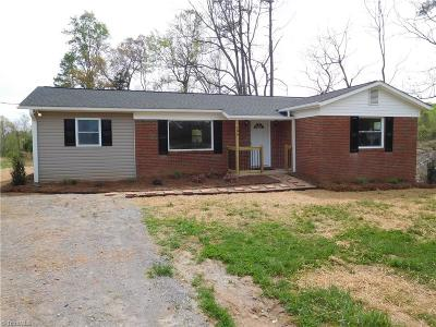 Single Family Home For Sale: 196 Peoples Creek Road
