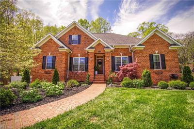 Winston Salem Single Family Home For Sale: 530 Ashbry Run Drive