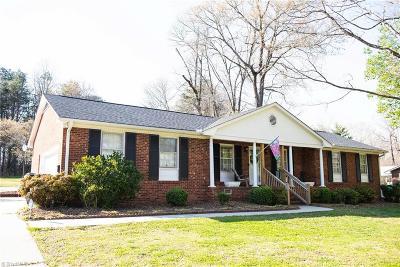Burlington Single Family Home For Sale: 1743 Shamrock Drive
