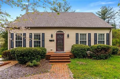 Winston Salem Single Family Home For Sale: 825 Kenwick Drive