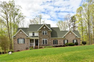 Tobaccoville Single Family Home For Sale: 1140 Nauvoo Ridge Drive