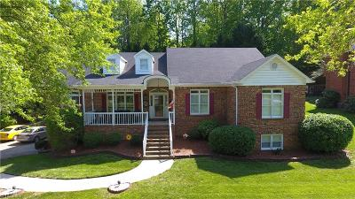 Winston Salem Single Family Home For Sale: 174 Wexham Road