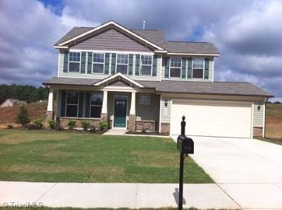 Alamance County Single Family Home For Sale: 711 Fairway Drive