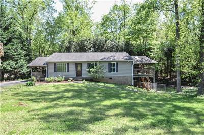 Tobaccoville NC Single Family Home For Sale: $135,000