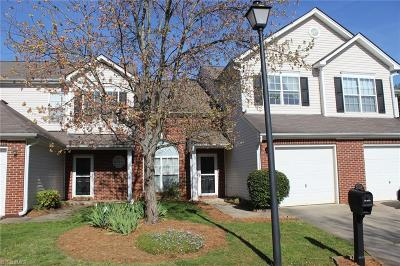 Guilford County Condo/Townhouse For Sale: 3923 Fountain Village Lane