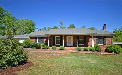 Pfafftown Single Family Home For Sale: 3551 Vienna Dozier Road