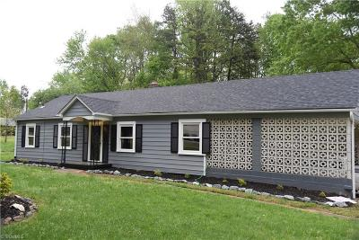 Kernersville Single Family Home For Sale: 3850 Abbotts Creek Church Road