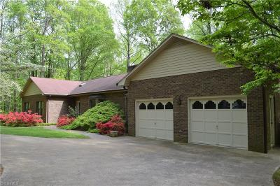 Clemmons Single Family Home For Sale: 8075 Lasater Road