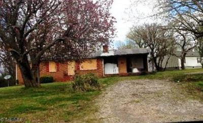 Caswell County Single Family Home For Sale: 646 Mineral Springs Road