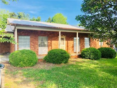 High Point NC Single Family Home For Sale: $149,999