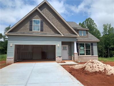 Kernersville Single Family Home For Sale: 506 Bluffwood Court #Lot 12